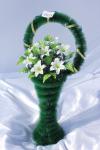 Корзина с лилиями v30, цвет: белый